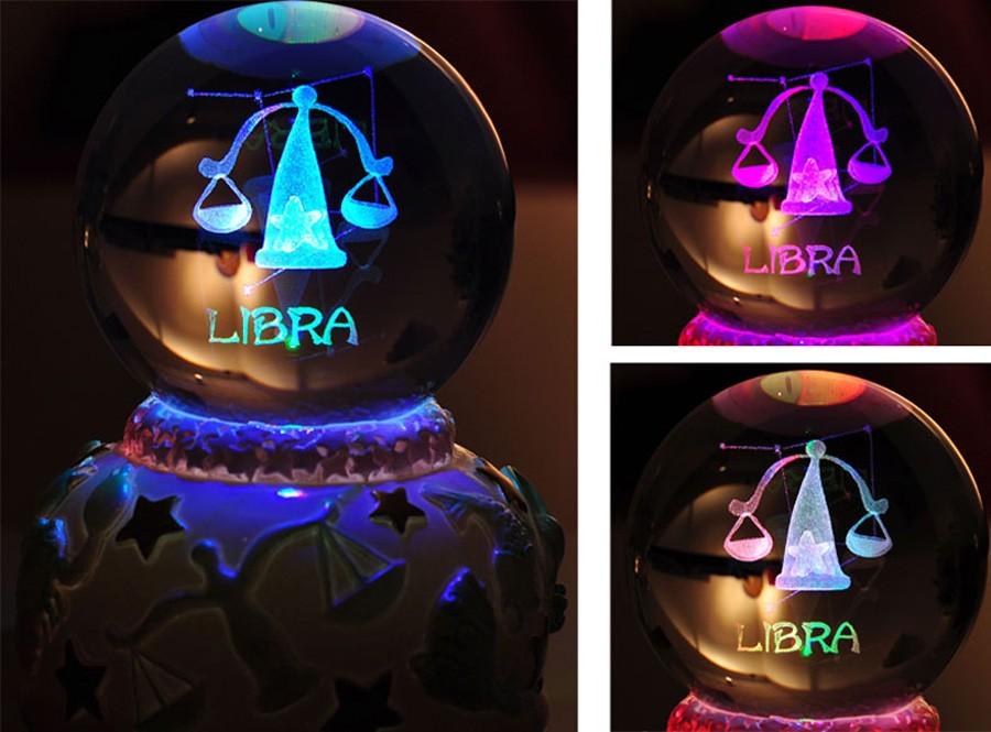 Crystal ball music box (17)