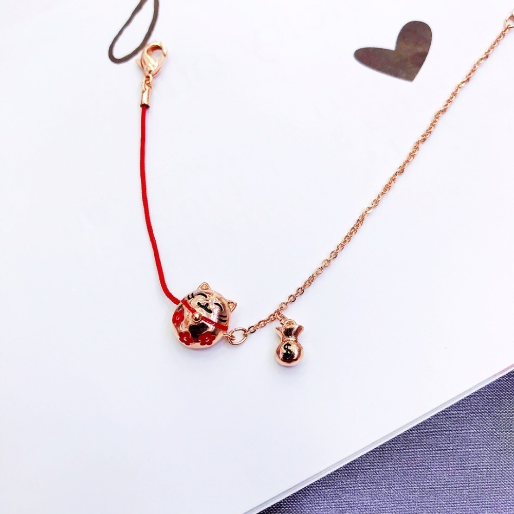 2019 Glückliche Glückskatze rote Seil Armband Farbe Glückskatzen Tausende von kleinen Ornamenten mit dem Herzen, um die Länge anzupassen