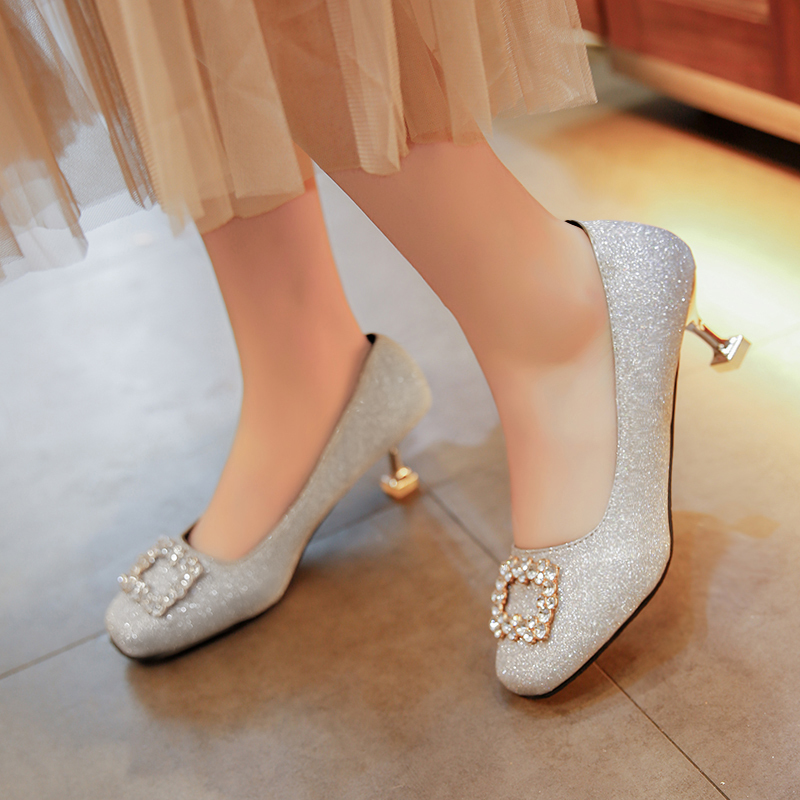 Chaussures habillées grande taille 35-41 Femme Robe Escarpins à talons hauts Glittering Slip On Toe Bout rond Crystal Pump Zapatos Mujer 6064
