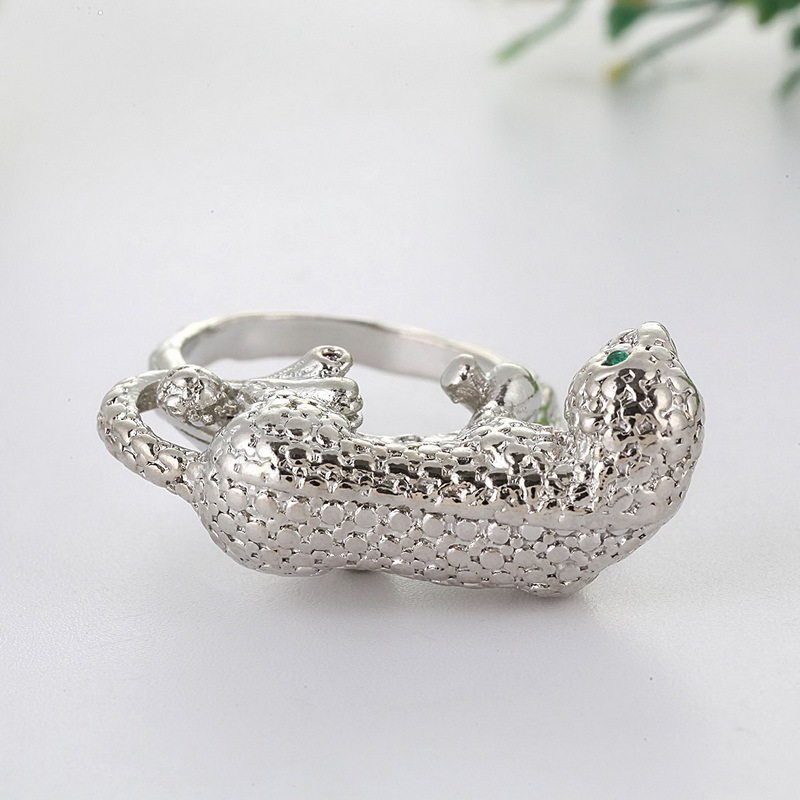 Fashion Man Silver Rhinoceros Ring For Female Man Lion Ring Anelo Umo Luxembourg Gem Bayao Female Ring O5x561