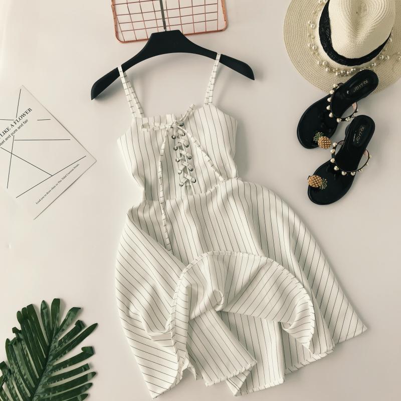 Kolsuz V Yaka Plaj Askısı Elbise Spagetti Kayışı Plaj Çiçek Fırfır Tank Mini Gündelik Elbise Kadın Uçan Kollu Sundress Chif Y19071801