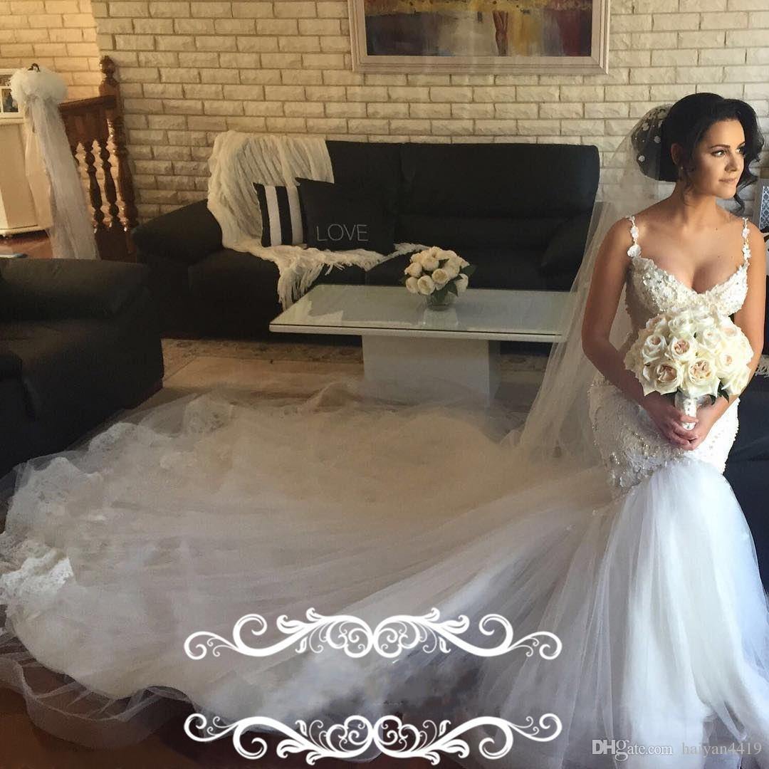 2018 Mermaid Wedding Dresses Spaghetti Straps 3D Flowers Applique Lace Beads Pearls Sweetheart Chapel Train Low V Back Arabic Bridal Gowns