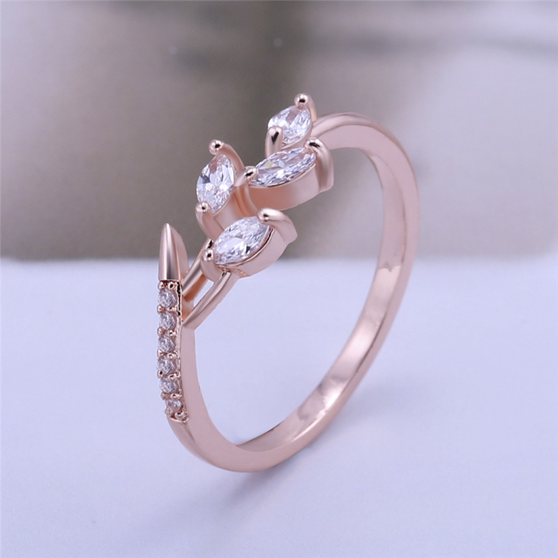 Fashion New Leaf Shape Cubic Zircon Rings High Quality Band Finger Ring Wedding Ring For Women Fashion Jewelry Party Gifts Wholesale