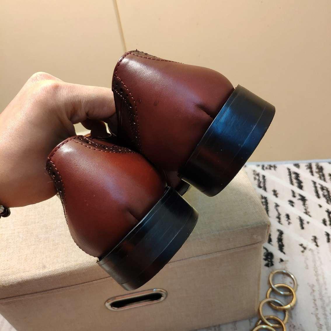 Erkek moda brogue ayakkabı gündelik düz dipli iş elbise ayakkabı kadar nefes dantel