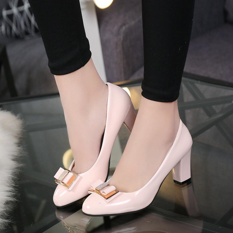 Chaussures habillées Plus la taille 40 Pas Cher Chaud 2019 Couleur Bonbon Femmes Pompes Peu Coloré Bloc épais Talons Hauts Bowtie Rose