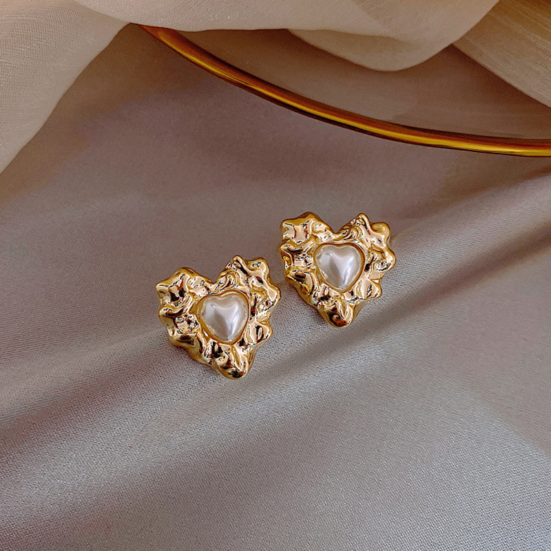 18K Gold Plated Blue crystal eyes Red Heart Ear White Lovely Mouse Charm Stud Earring