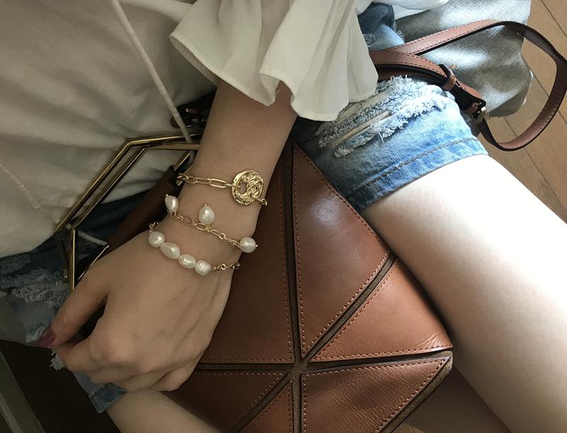 HUANZHI 2019 New Gold Color барочной Нерегулярной Pearls Цепочки кисточки браслеты для женщин девушки партии браслета ювелирных подарков