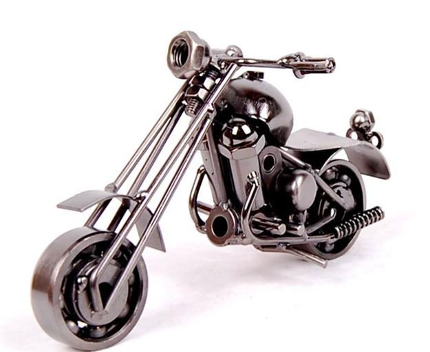 Motor Figurine (15)