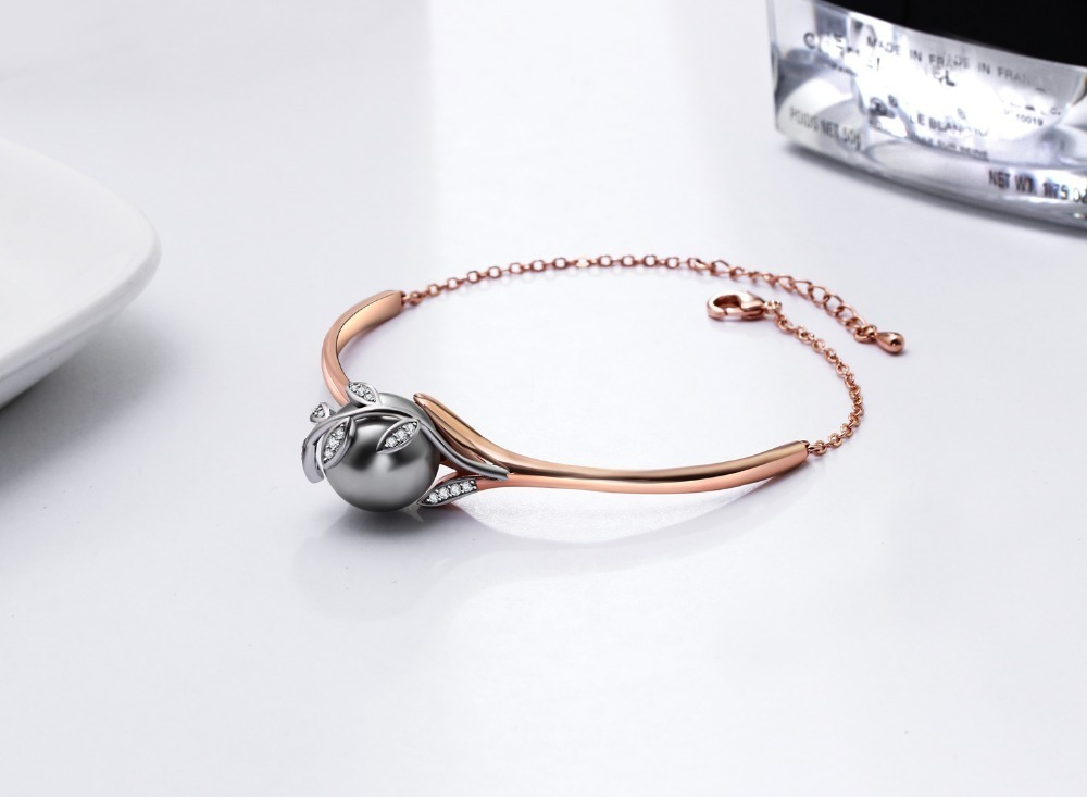 bangle with pearl (1)