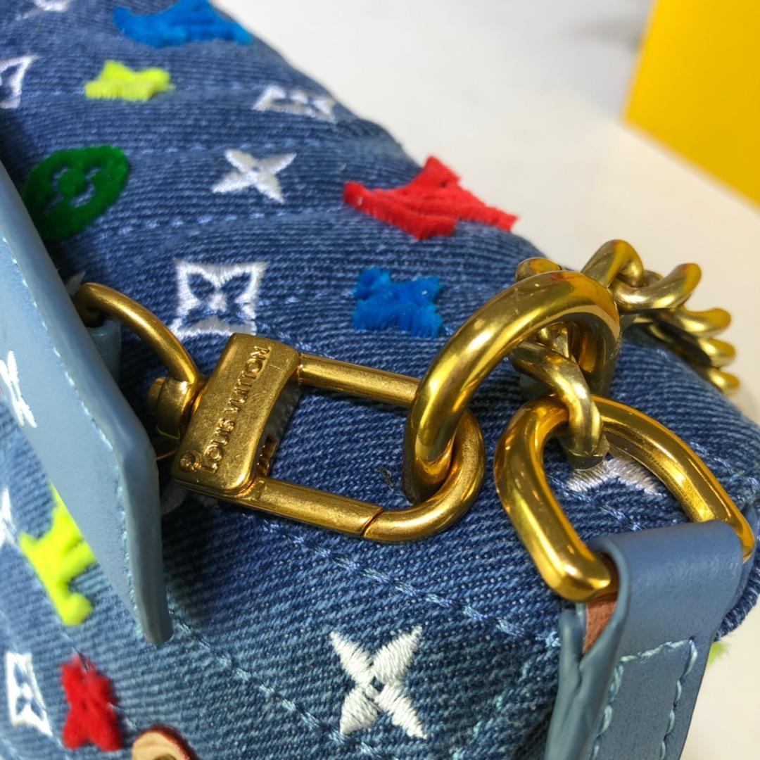 womens handbags purses top quality Chain shoulder bags fashion crossbody bag Embroidery messenger tote Cosmetic bag wallet handbags