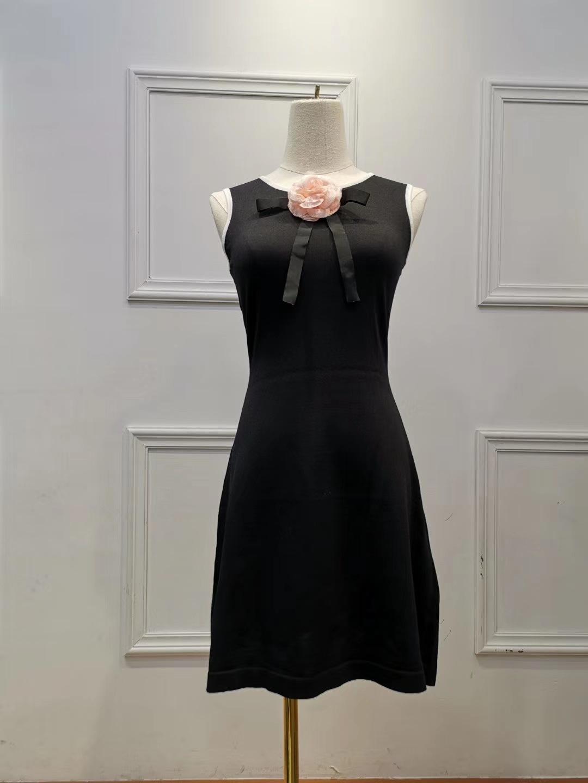 2019 Verão Pequeno Perfumado Vento Tricô Gotas De Seda De Seda Luz Flor Vest Vestido de Comprimento Médio Graça Temperamento