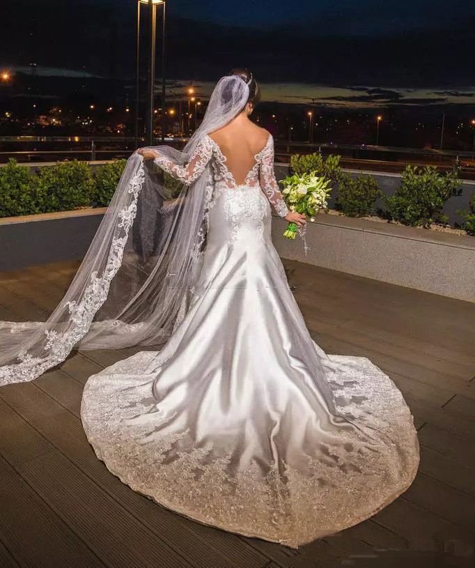 modern-lace-applique-plus-size-wedding-dresses-with-satin-long-sleeves-off-the-shoulder-backless-bridal-gowns-african-vestidos.webp (2)_