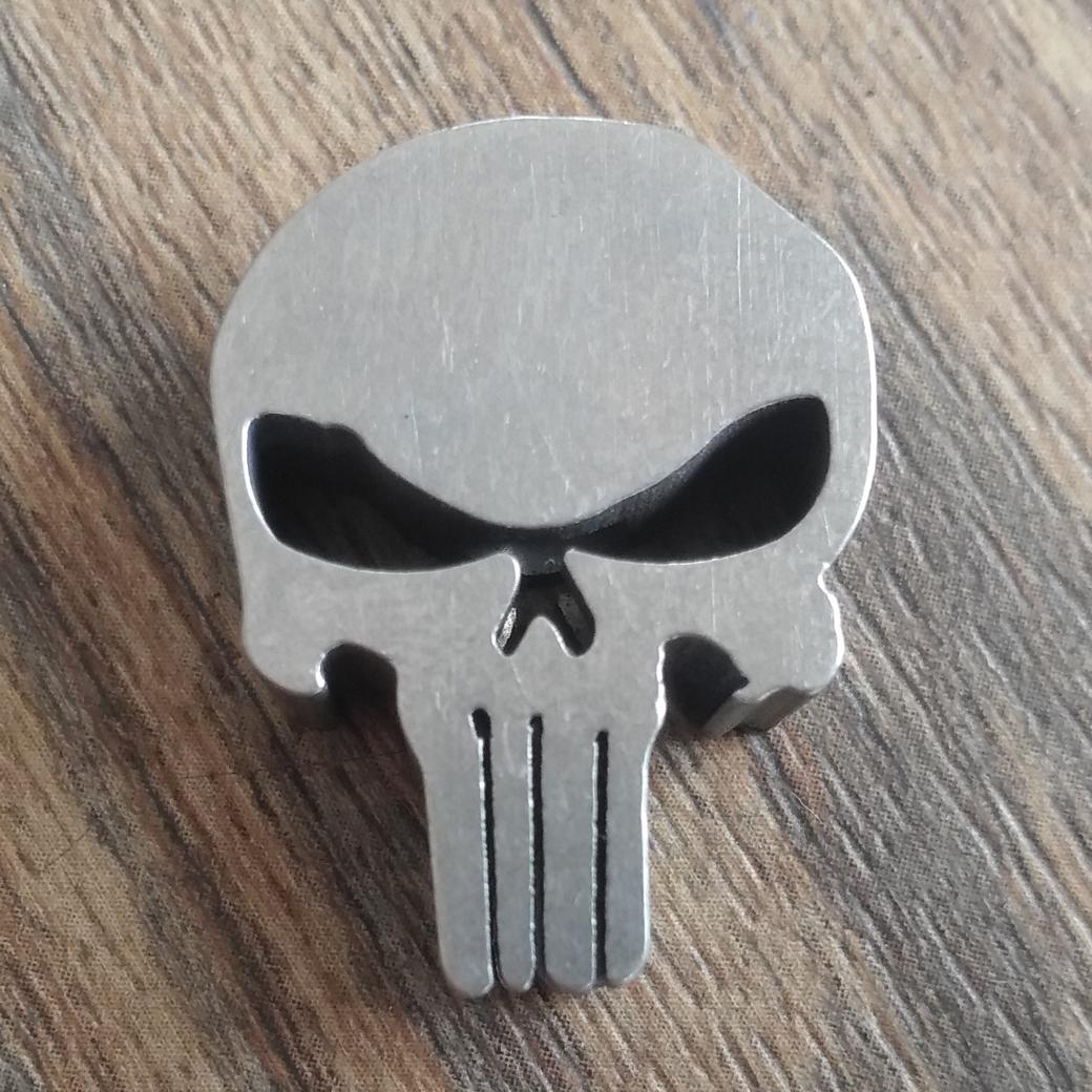 Titanium Punisher Skull Parachute Cord Lanyard Bead Pendant Zipper Head DZ-01T