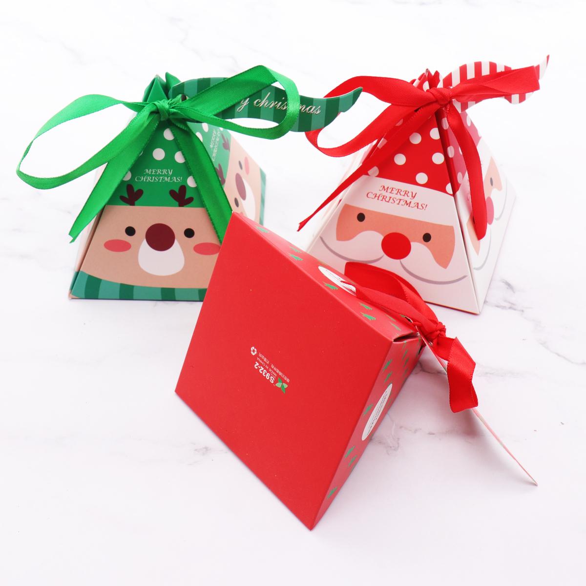 7.5x7.5x9.5cm Merry Christmas Candy Box Bag Christmas Tree paper Santa Claus gift box pyramid party chocolate box C18112701
