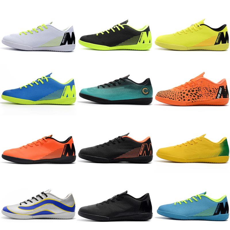 Pas cher Chaussures De Football En Salle Achetez des