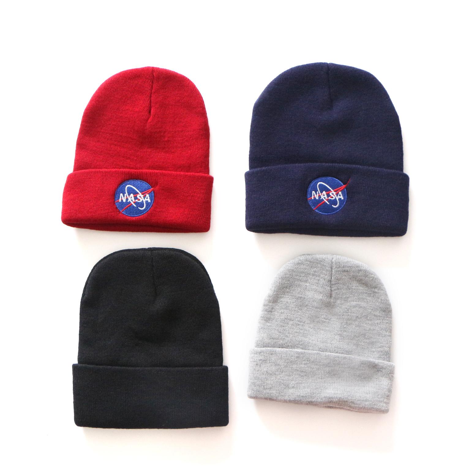 Men//Women Wolf Pup Outdoor Fashion Knit Beanies Hat Soft Winter Knit Caps