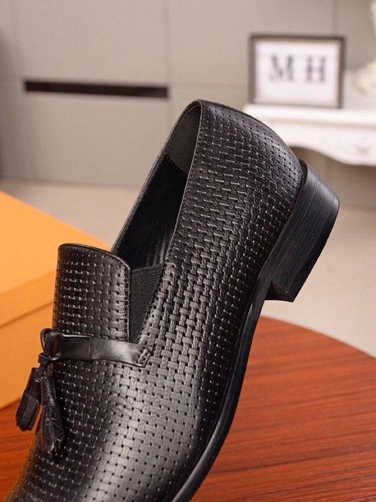 Herrenmode Stricken feste Farbe Freizeitgeschäft Kleidschuhe runden Kopf bequeme flache Schuhe 110605