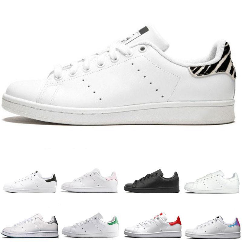 2020 Mode Stan Smith Chaussures de sport de base Noir Blanc Vert Blanc Bleu Skateboard Chaussures Etoiles Flats rouges Bottoms Hommes Femmes
