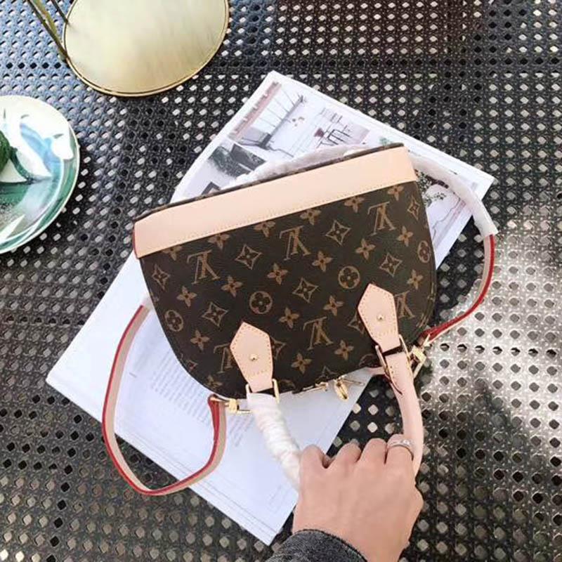 Yeni Moda Kabuk Çanta Kadın Gerçek Deri Çanta ile Çiçek Kabartmalı Omuz Çantaları Kilit Tasarımcı Çanta Yüksek Kalite Crossbody Çanta