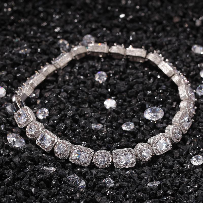 Shambhala Luxus Armband in Gold ein sehr schönes Geschenk