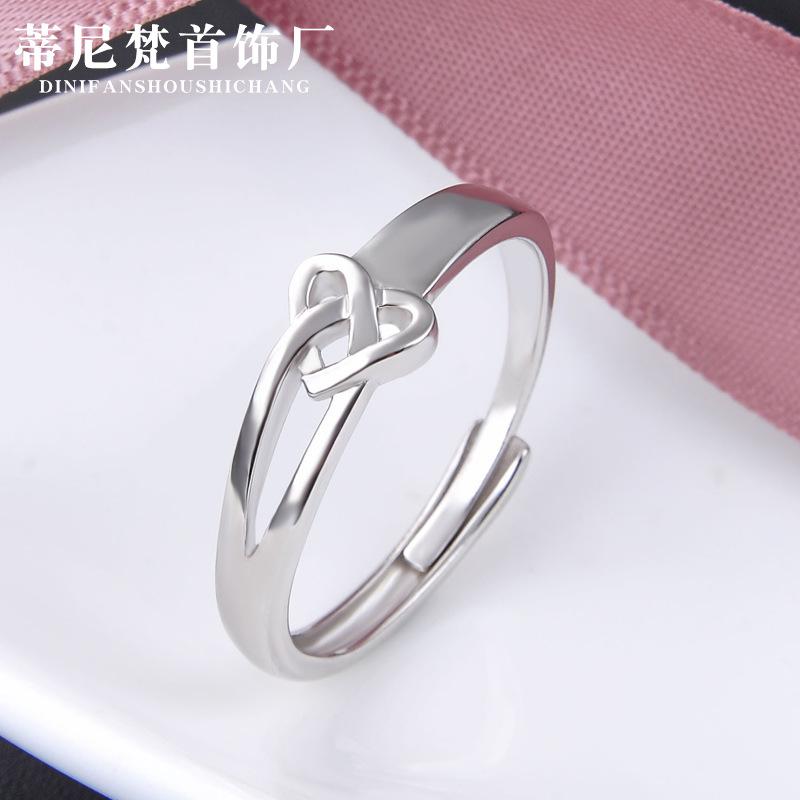 HLJ Creative Lovely Girls Key Buckle Fashion Key Buckle Couple Simple Keychain