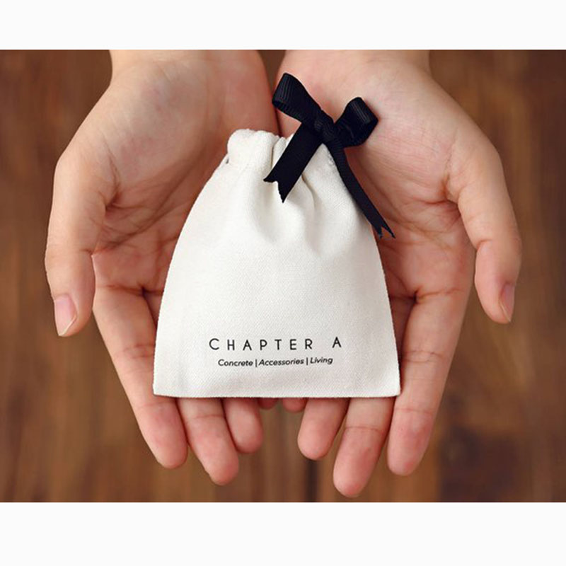 Personalized Jewelry Packaging Wedding Favor Bags White Cotton Canvas Drawstring Bags Custom Logo Chic Small Pouch
