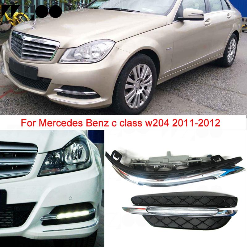 NUOVO Originale Mercedes Benz R172 W204 Paraurti Anteriore O//S Destro FOGLIGHT GRILL TRIM