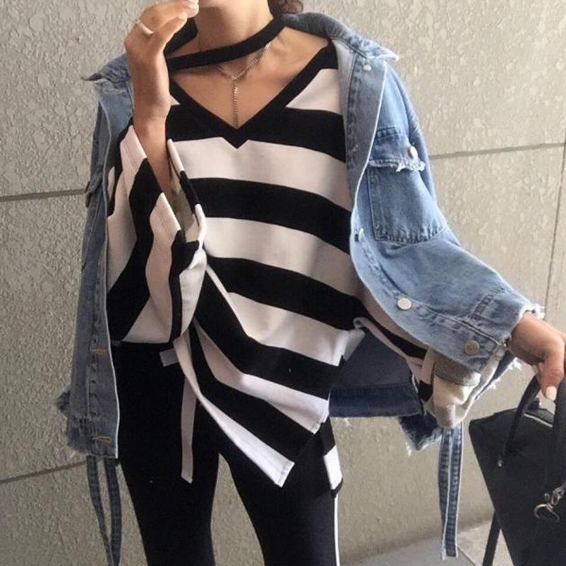 TWOTWINSTYLE Off плеча женщин Толстовка Сыпучие V шеи Batwing длинным рукавом полосатой пуловер Повседневный стиль одежды 2019 Осень