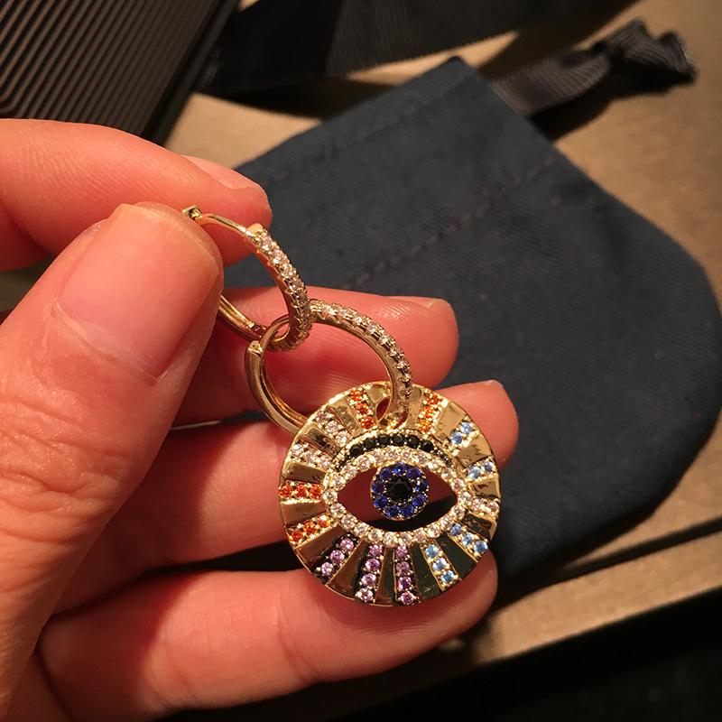 Umgodly Marca Multicolor Zircon Cz Asymmetric Lucky Eye Pendientes Joyería de Moda Pop Mujer Abril Nueva Llegada Y19062703