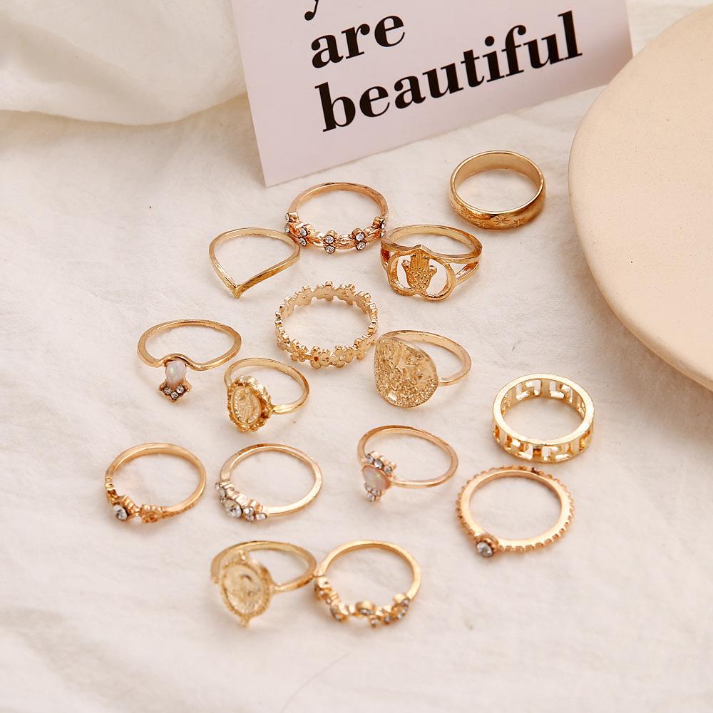 Vintage Women Hearts Fatima Hands Cross Crown Fashion Rings Virgin Mary Hollow Geometric Crystal Ring Wedding Jewelry