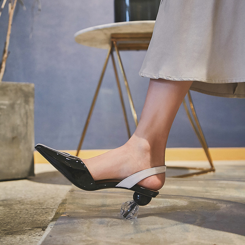 Hot2019 Opposite Crystal Square Sex With Patent Leather Spelling Color Wind Woman Latest Fashion Sandals Banquet Go Show Shoes