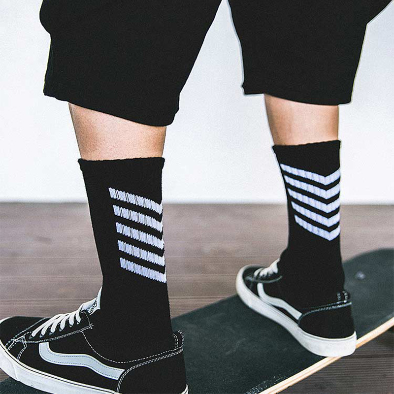wholesale 2 Colour harajuku Streetwear Hip Hop Print Socks Men Fashion Casual High Street Crew Socks Men xian