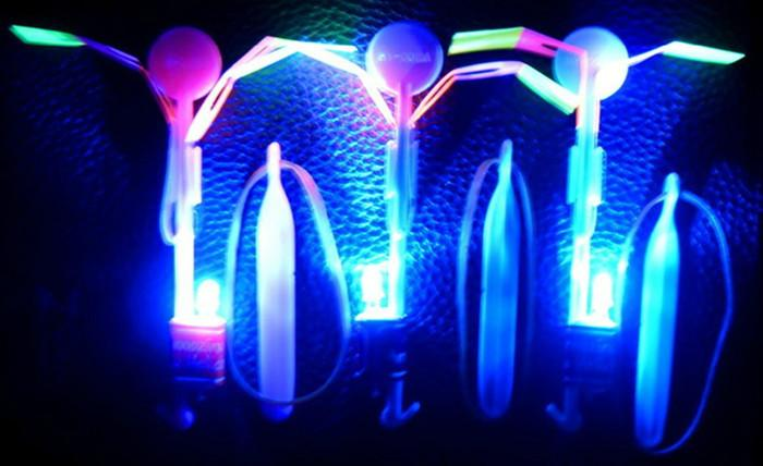 Led Slingshot Light Arrow Rocket Helicopter Flying Toy Party Fun Gift Elastic The LED Slingshot Helicopter