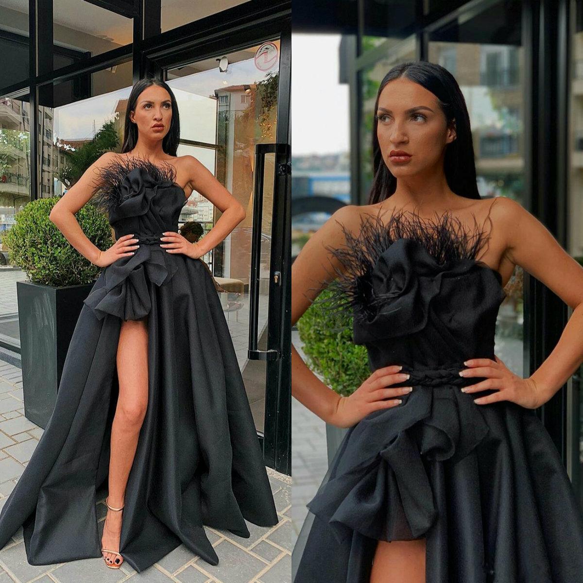 Schwarze Abendkleider 12 trägerlose Satin-Feder-A Line Hoch Split  Abendkleid nach Maß Sweep Zug-formale Partei-Kleid-Cocktailkleid