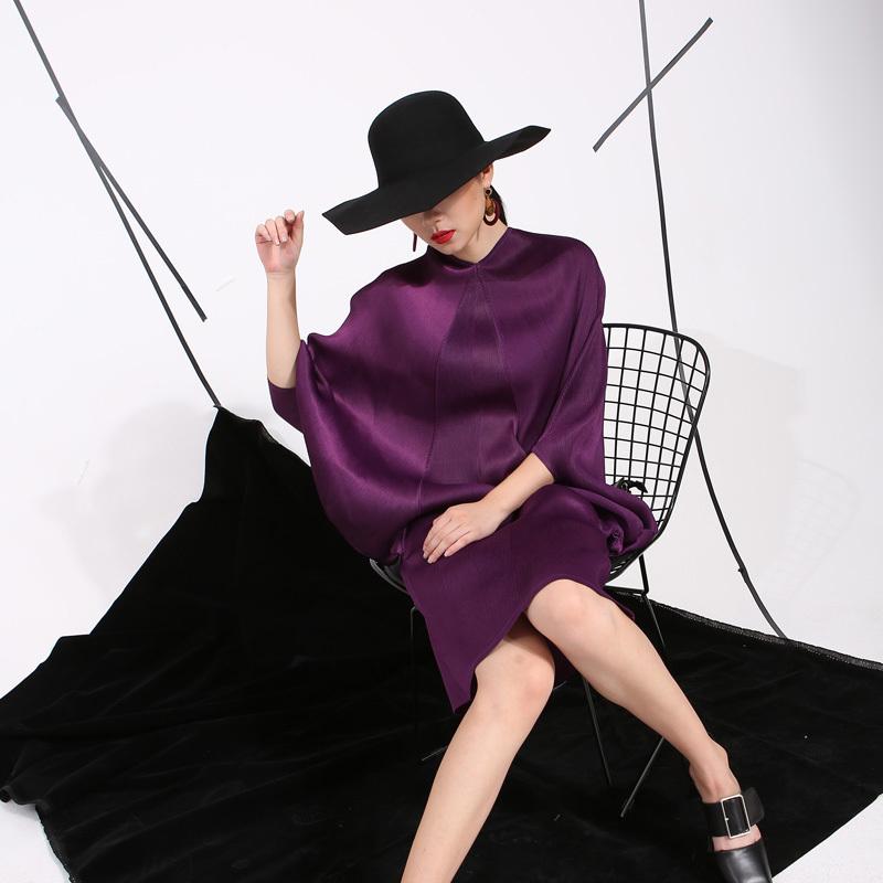 [eam] 2019 Spring Trendy New Crimp Bat Sleeve Design Big Size Loose Large Size Solid Color Dress Women Fashion Fu11191 Y19051102