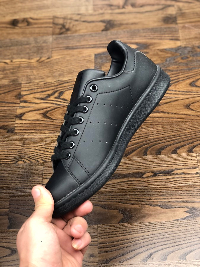 New 2019 casual Shoes mens spring loafers shoes for men red bottom sneakers spikes classic best wild Leisure Selling