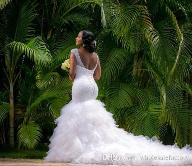 2017 Beading Arabic Style Wedding Dresses Deep V Neck Mermaid Wedding Gowns Chapel Train with Corset Back Bridal Dresses Robe de marriage