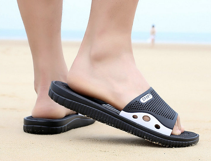 Fashion New Design Anti Slip Adult Men Shoes Sport Slide Slippers Outdoor Indoor Beach Slippers For Man (15)