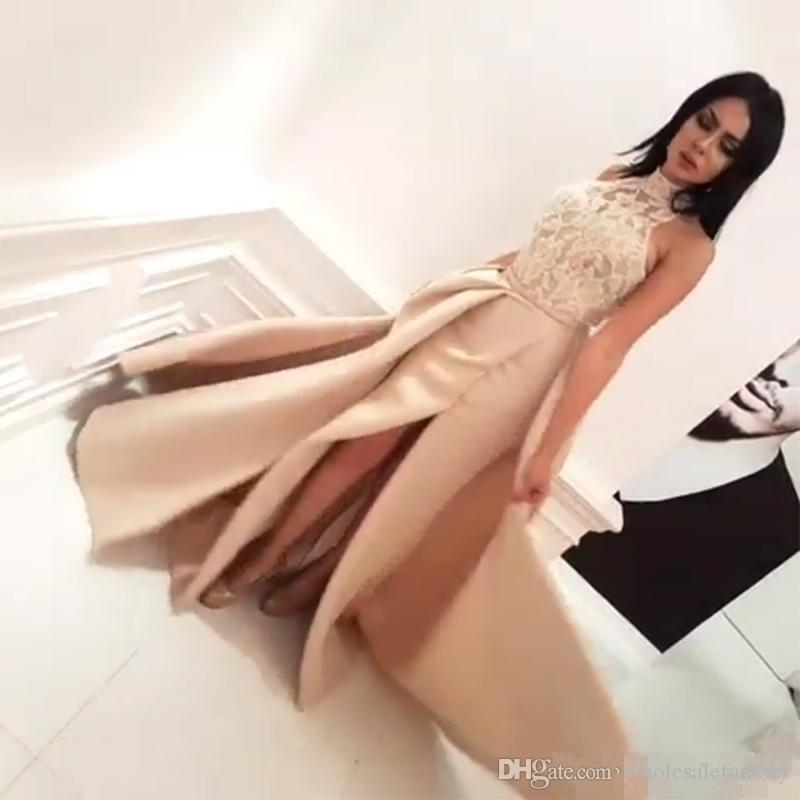 2017 New Designed Arabic Dubai Halter Prom Evening Dresses Formal Occasion A Line Lace Appliqued Split Party Celebrity Gowns with Capes