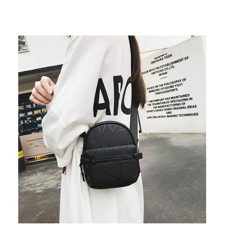 2019 New Fashion Waist Bag Women Mini Shoulder Bags High Quality Belt Bag  Pu Leather Laser Ladies Handbag Crossbody Chest Bag White Handbags Satchel
