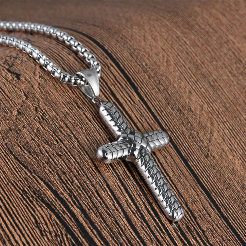 EuropeAmerica Titanium cruz colgante de acero para Hombres retro masculino Tire en relieve cruz colgante collar joyería religiosa regalo del muchacho