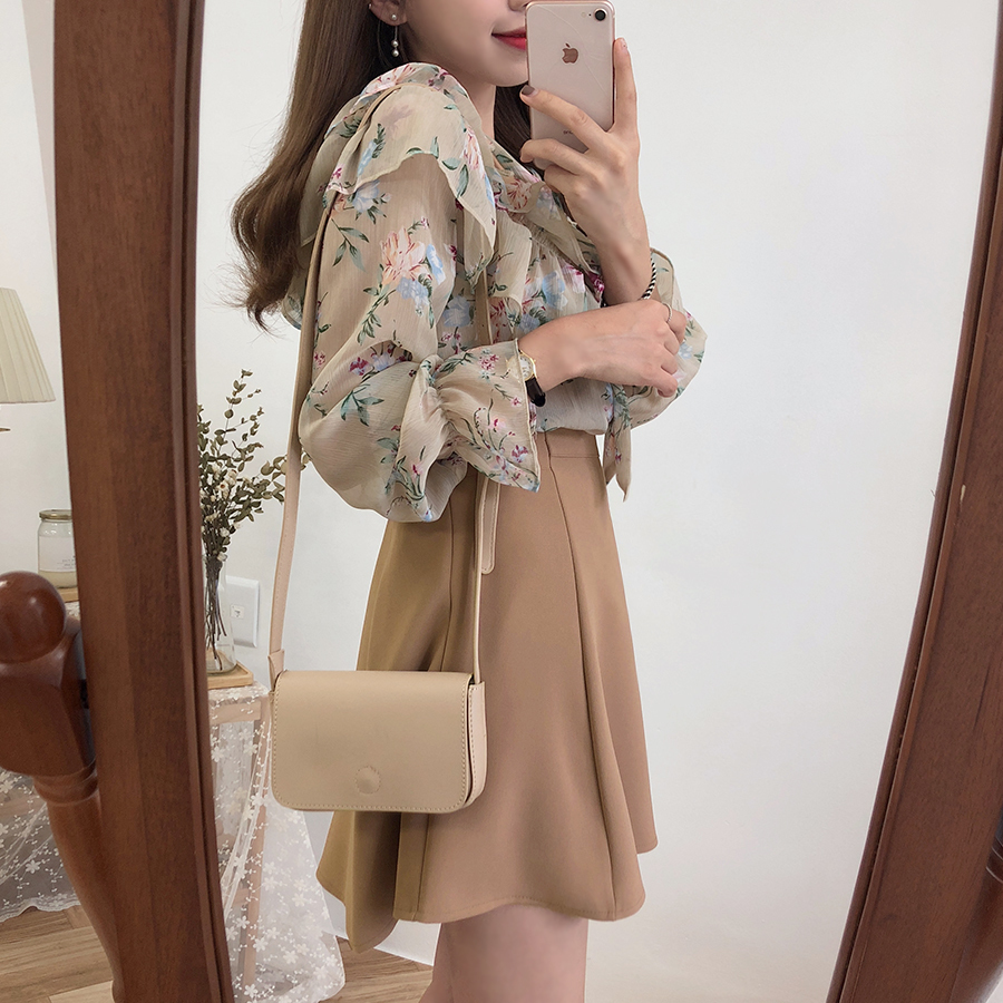 2019 Cute Sweet Bow Tie Tops Hot Sales Women Korean Style Bow Blouses Shirts Female Girls Purple Floral Vintage Top Blouse 2021 Y190510