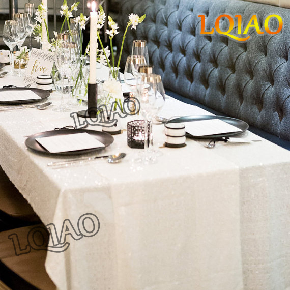 White Sequin tablecloth-001