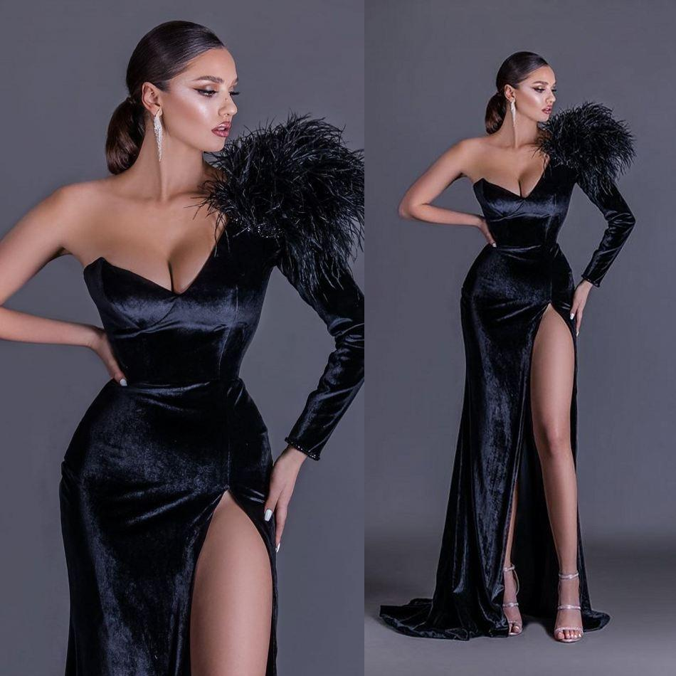 Sexy Black Mermaid Prom Dresses With Feather One Shoulder High Slit Velvet Evening Dress Custom Made Long Sleeve Formal Gowns