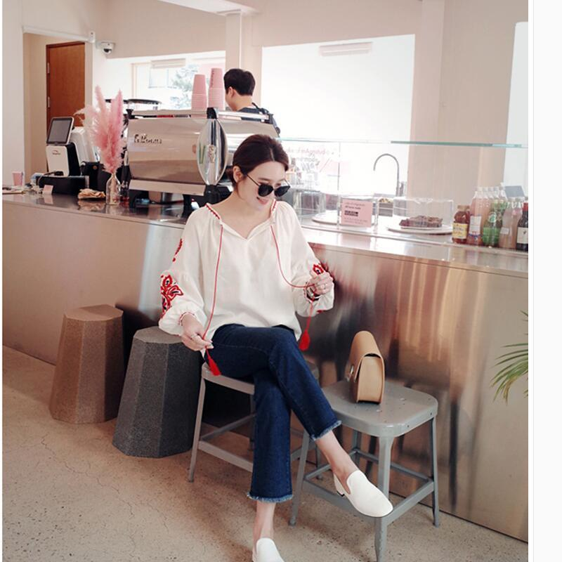 Cheshanf Étnica Bordado Floral Blusa Das Senhoras de Manga Longa Mulheres Camisas Femininas 2017 Do Vintage Borla Lace Up Collar Blusa Mujer Y190422
