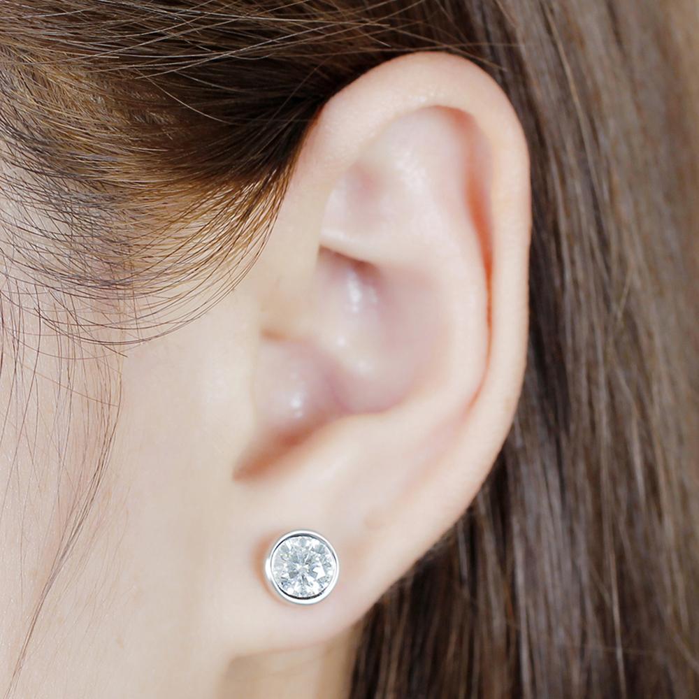 1ct bezel moissanite earrings (7)