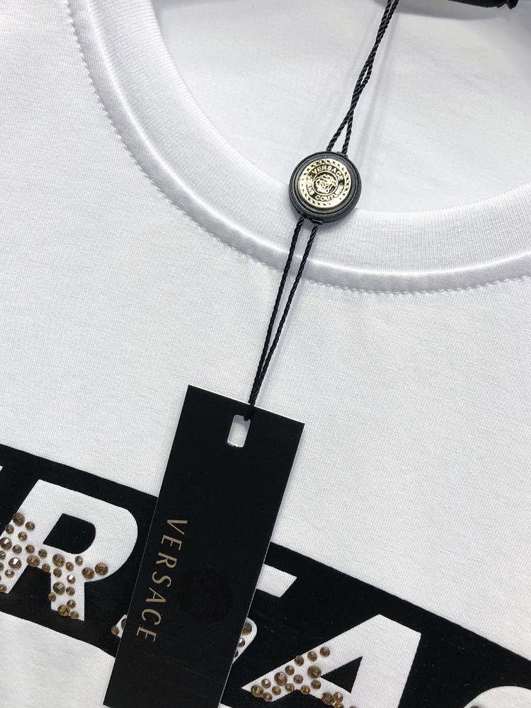 Ver summer new men's round neck T-shirt Comfortable fashion Made of cotton fabric Gold small diamond letter print