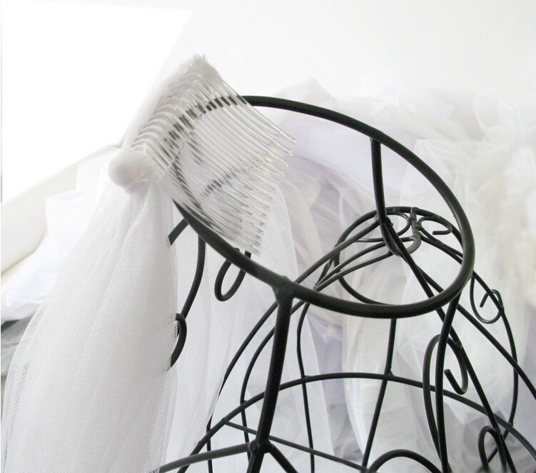 3m-Wedding-Veil-3-Meters-Long-Soft-Bridal-Head-With-Comb-One-layer-Lace-Veil-Ivory (5)