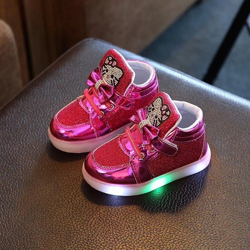 1-6 Jahre Kinder Leucht Jungen Mädchen Sport Laufschuhe Baby Blinklichter Mode Kleinkind Kleinkind LED Turnschuhe