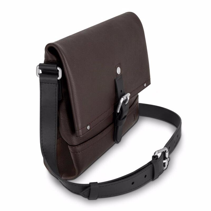 /  men's bag CANYON Messenger leather shoulder Messenger bag M54962